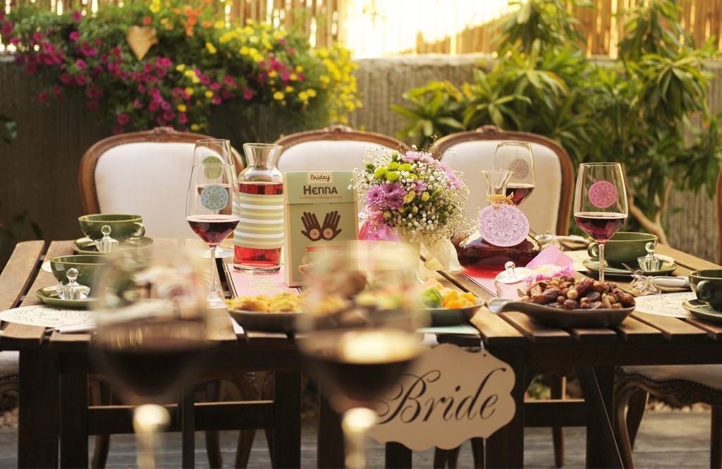 עיצוב שולחן בראנץ בגינה למסיבת רווקות או לאירוח