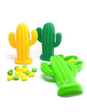 קופסאות אישיות לממתקים לימי הולדת בצורת קקטוסים. עשוי פלסטיק קשיח