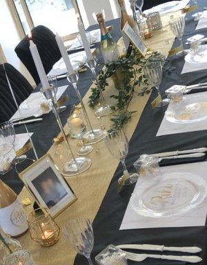 עיצוב שולחן לבן זהב למקווה, מסיבת רווקות או לכל אירוע אחר