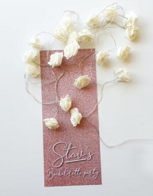 briday שרשרת פרחים לבנים עם תאורת לד