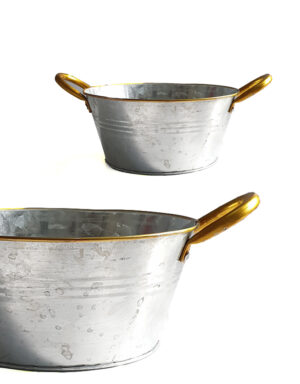 קערת מתכת עם ידיות זהב